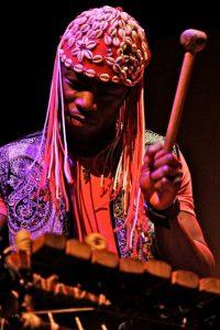 Aly Keita en concert à Labeaume